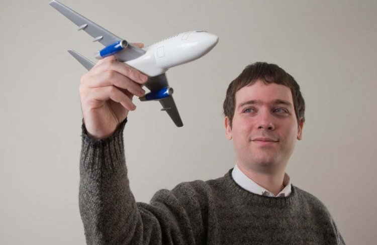Meet Gabor Lukacs, the child math prodigy turned professional airline troublemaker